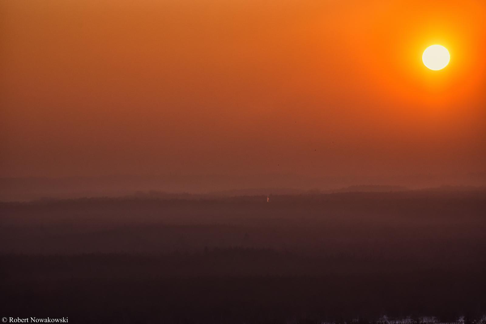 Zachód Słońca i przelot ptaków widziany z Czubatki...
