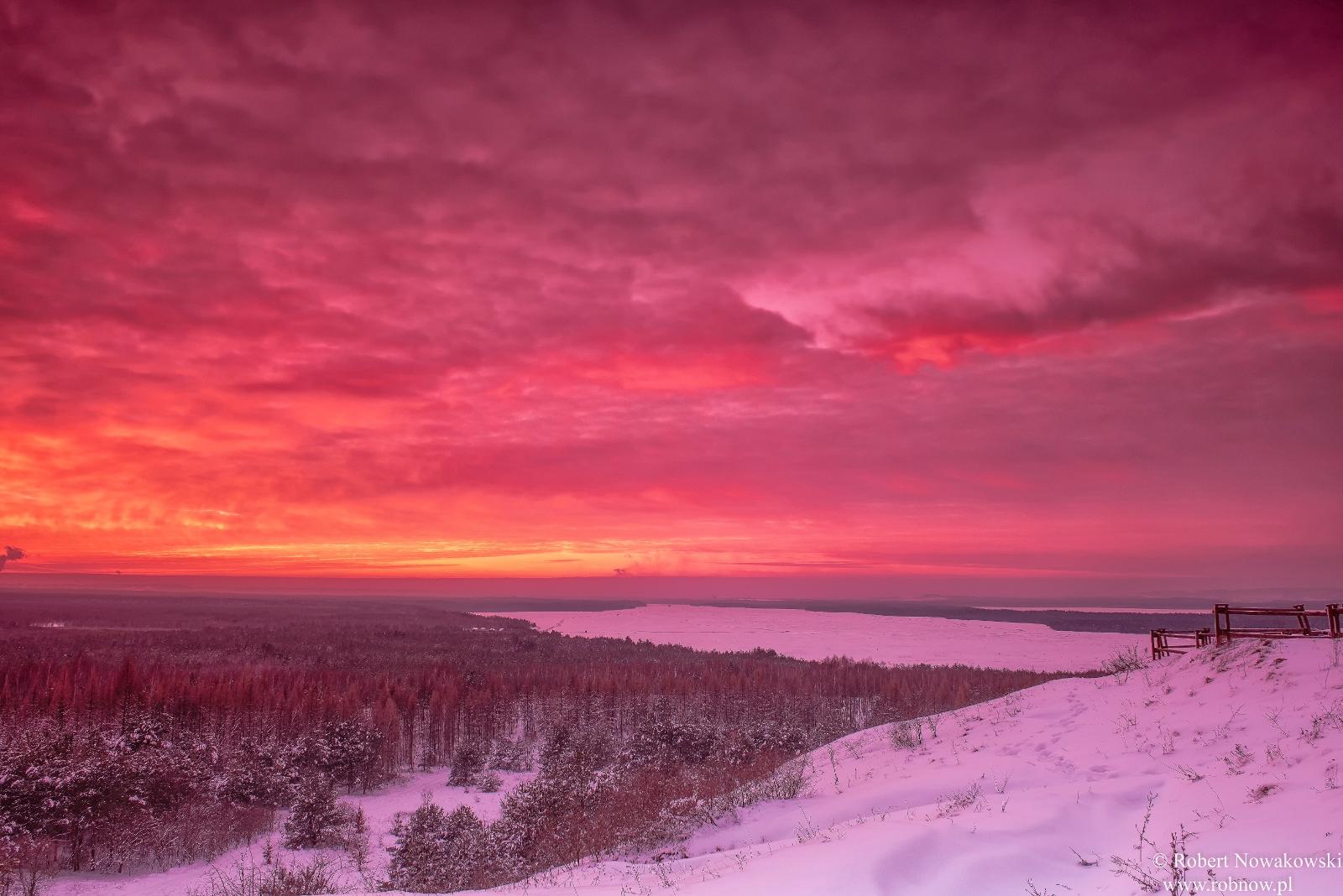 Styczniowy zachód Słońca nad Pustynią Błędowską...